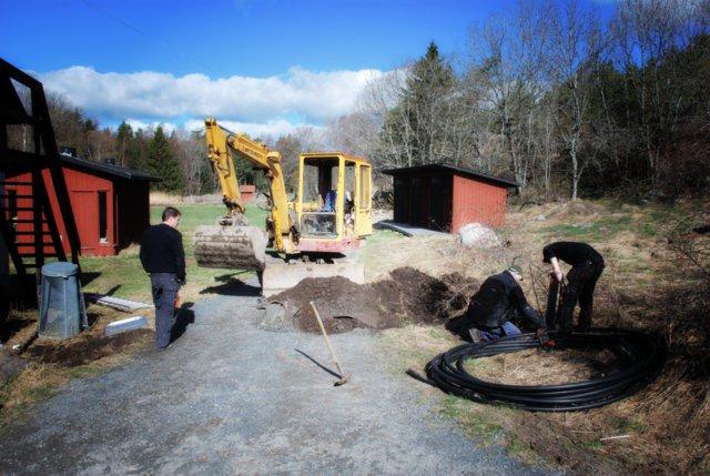 Ny kabel grävs ner